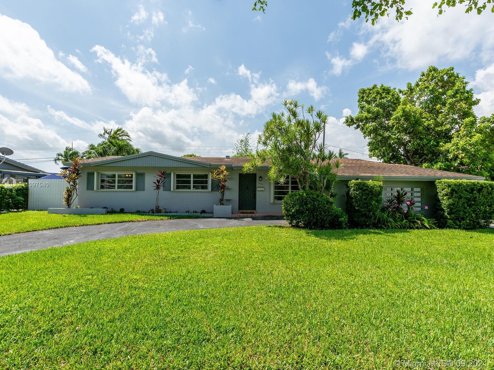 Single Family Home,For Sale,7420 SW 99th Ct, Miami, Florida 33173,Brickell,realty,broker,condos near me