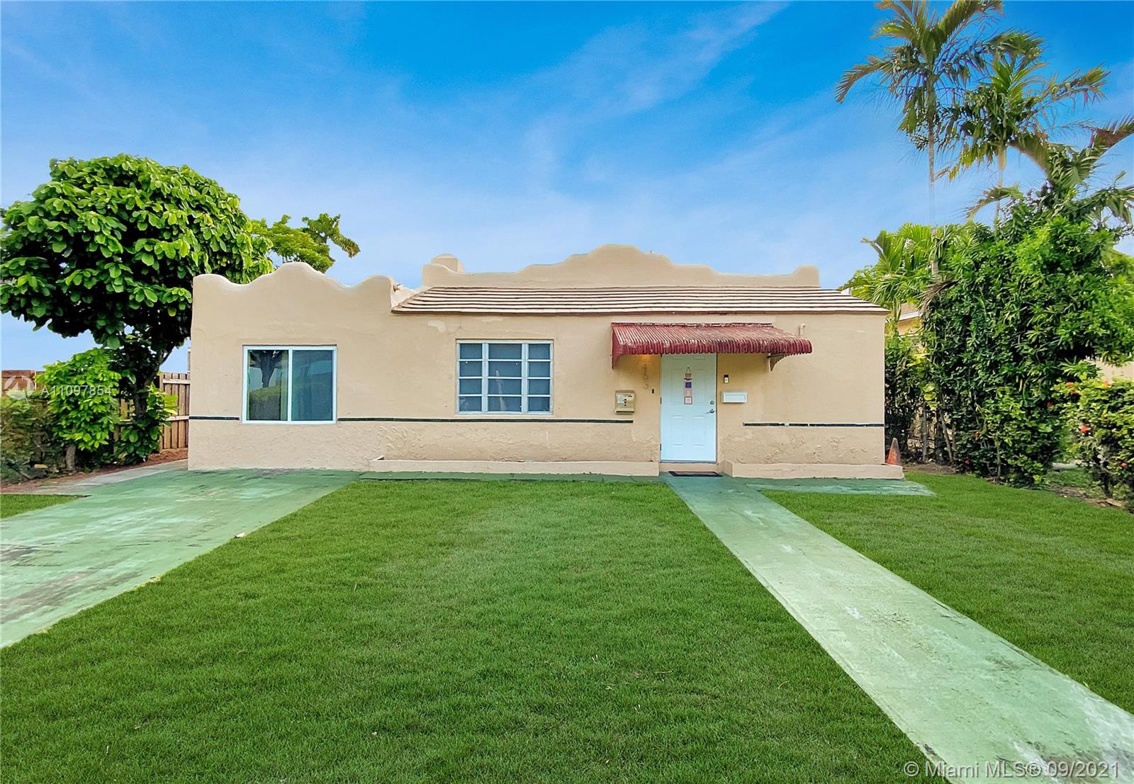 Single Family Home,For Sale,465 South Dr, Miami Springs, Florida 33166,Brickell,realty,broker,condos near me