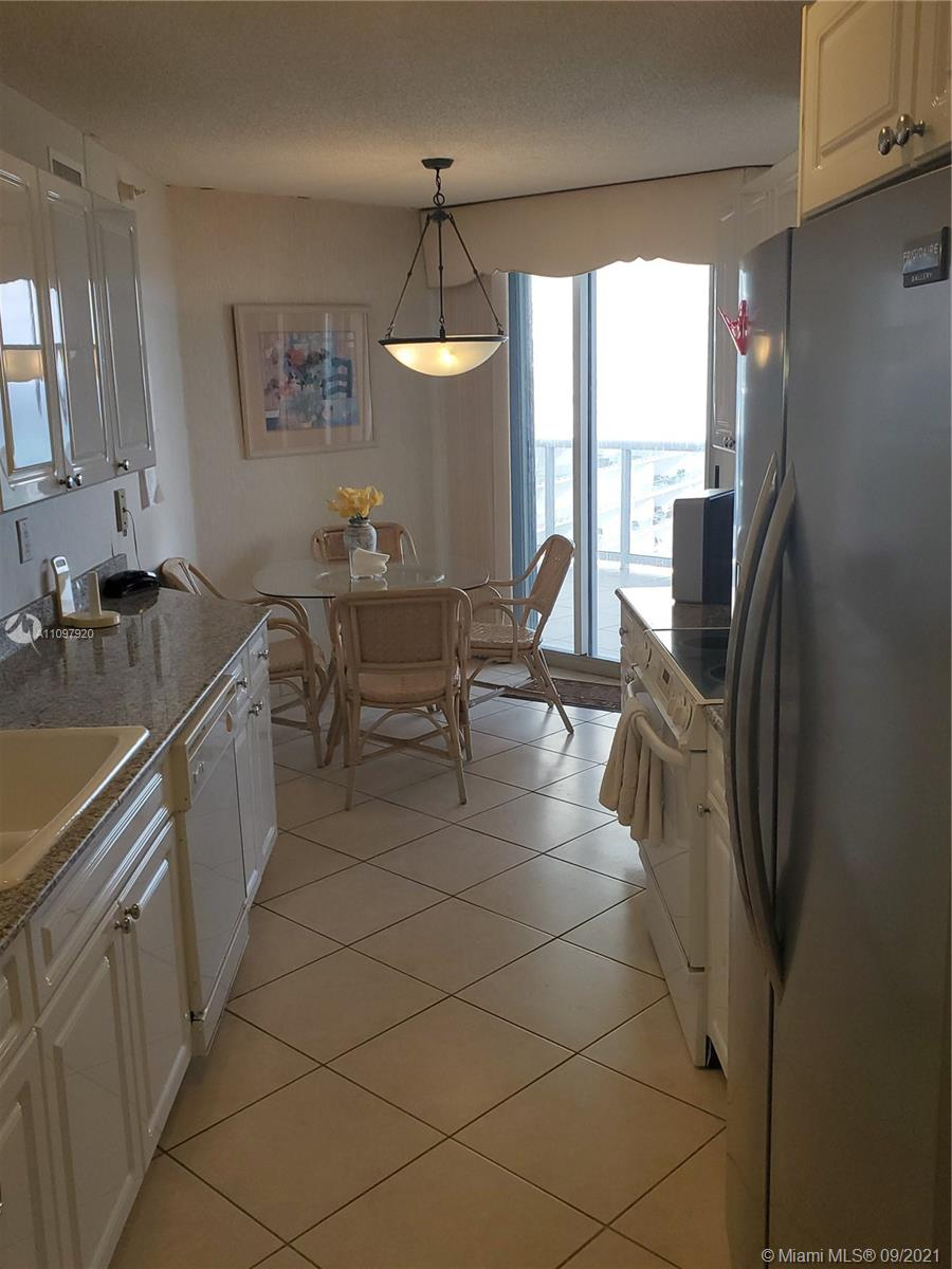 16711 Collins Ave #2206 photo09
