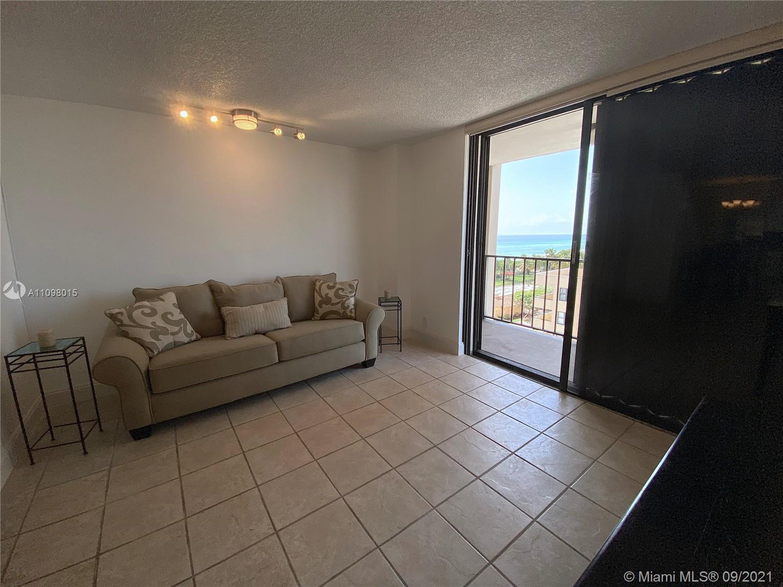 2625 Collins Ave #702 photo05