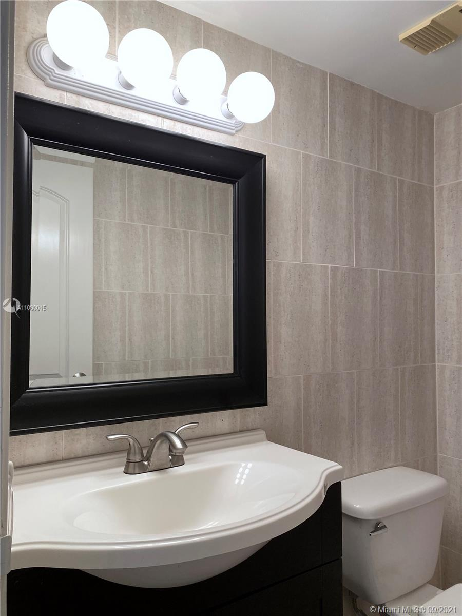 2625 Collins Ave #702 photo014