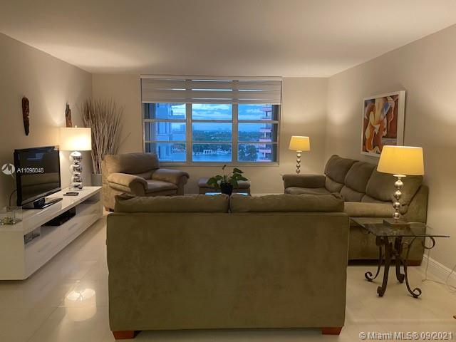 5161 Collins Ave #910 photo09