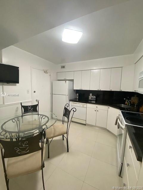 5161 Collins Ave #910 photo018