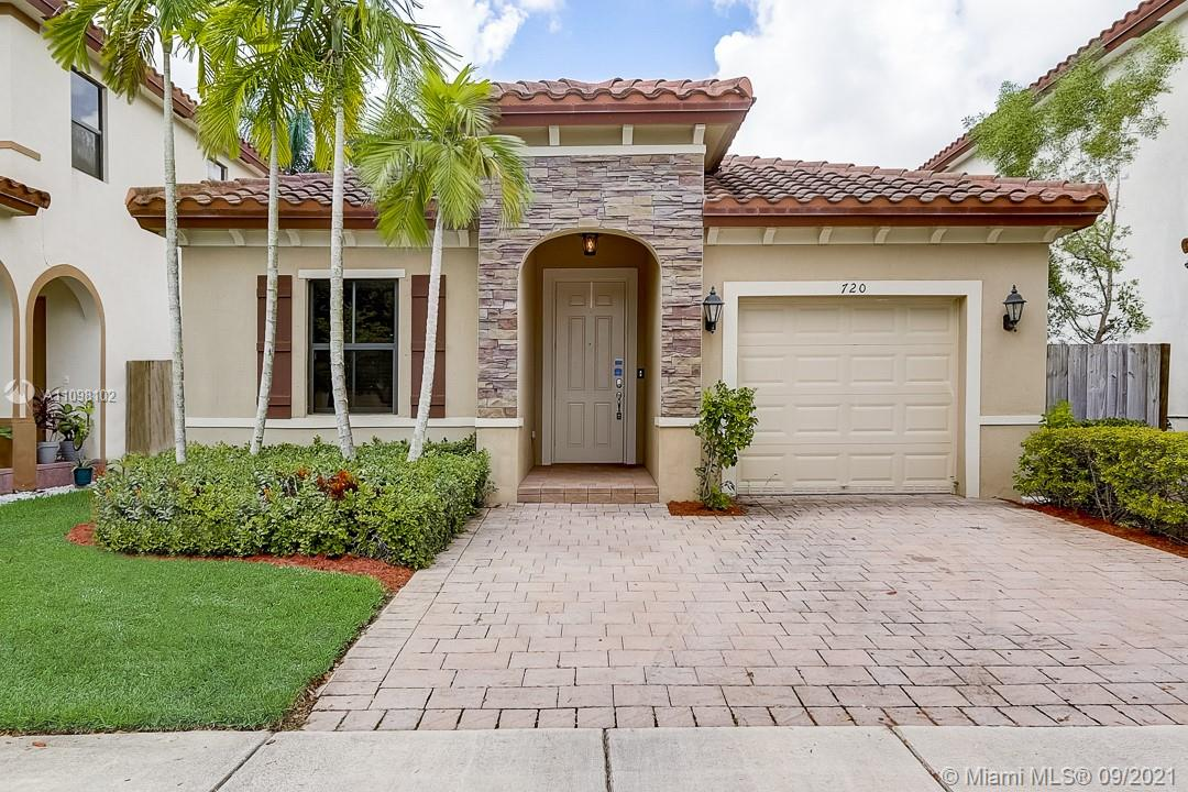 Single Family Home For Sale BAYWINDS OF FLORES1,670 Sqft