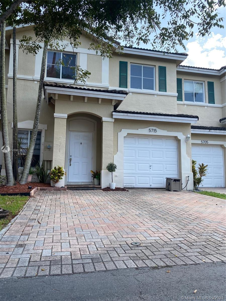 Condo For Sale at DORAL NORTHEAST TOWNHOMES