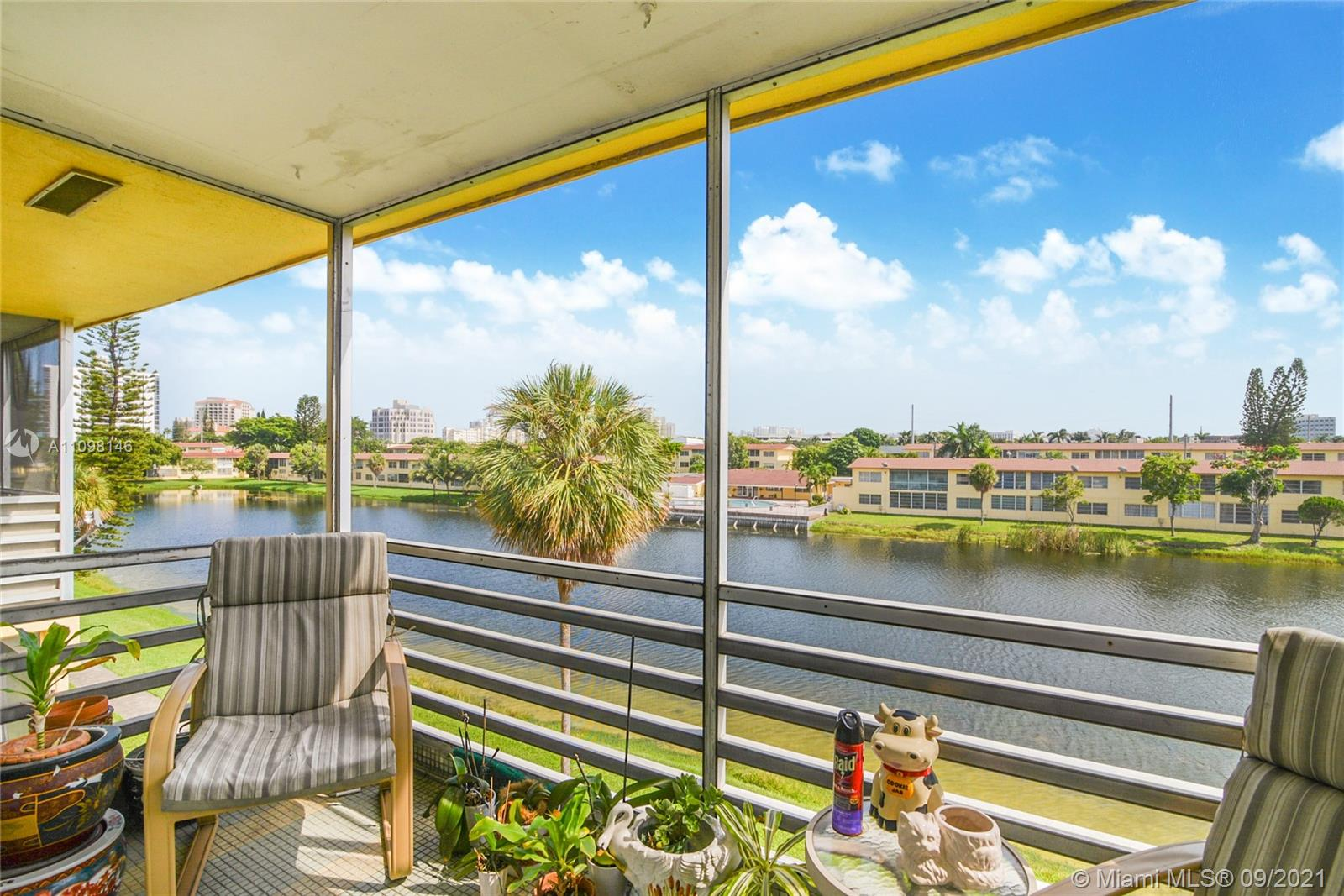 2880 NE 203rd St #26, Aventura, Florida 33180, 1 Bedroom Bedrooms, ,1 BathroomBathrooms,Residential,For Sale,203rd St,A11098146