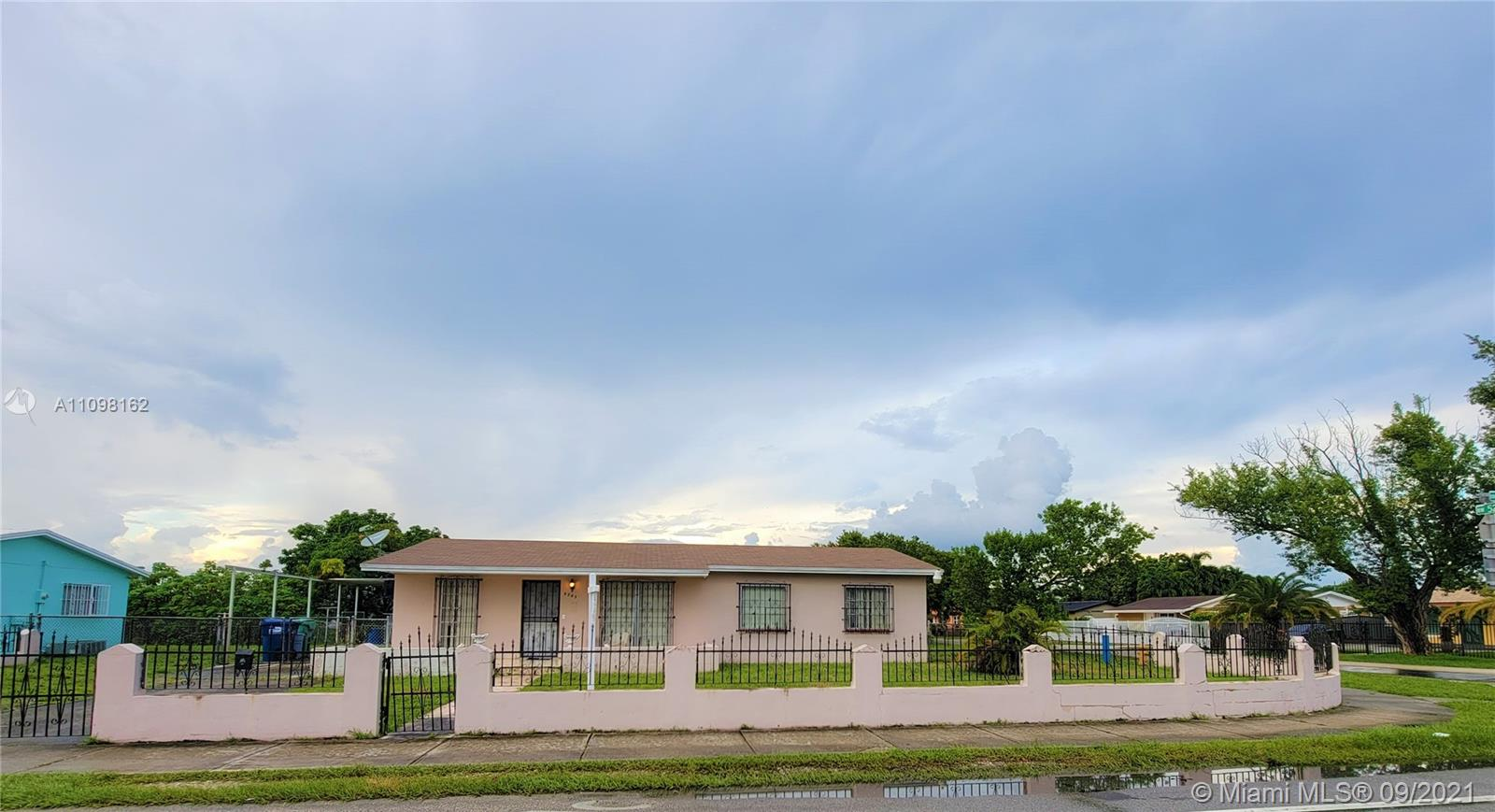 Single Family Home,For Sale,5205 NW 167th St, Miami Gardens, Florida 33055,Brickell,realty,broker,condos near me