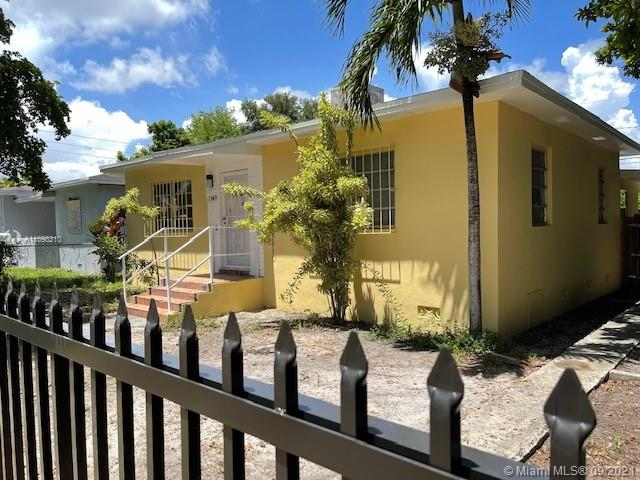 Single Family Home For Sale CRESTWOOD1,210 Sqft