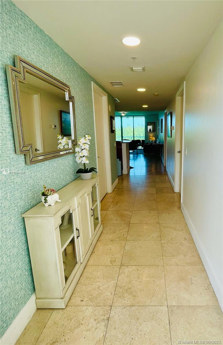 One Fifty One At Biscayne #605 - 15051 Royal Oaks Ln #605, North Miami, FL 33181