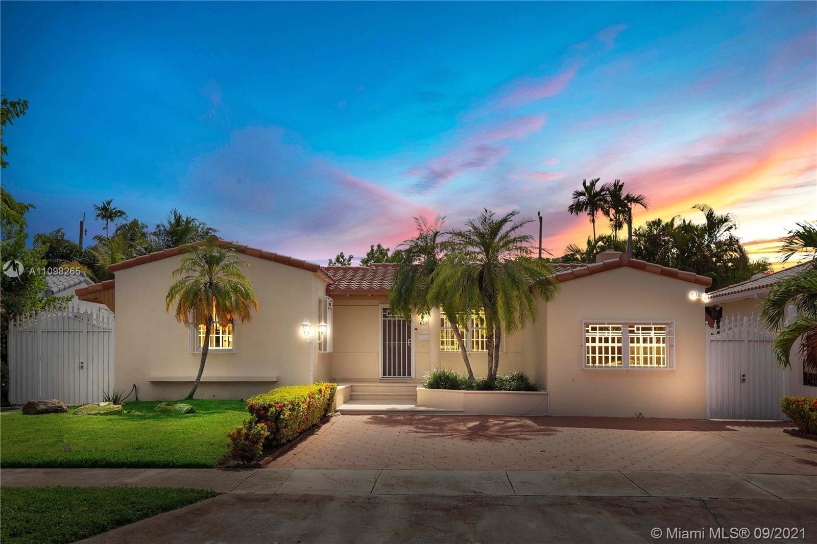 Single Family Home For Sale BRICKELL ESTATES2,130 Sqft