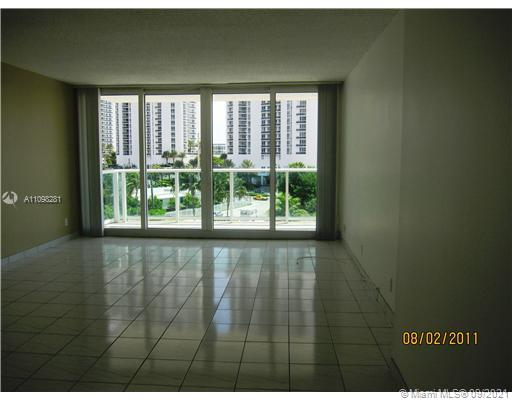 100 BAYVIEW DR photo015