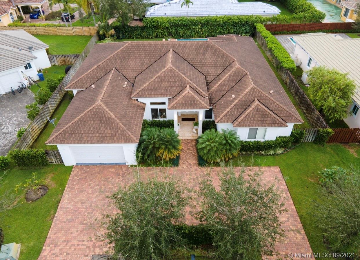 Oak Ridge Falls - 12316 SW 94th Pl, Miami, FL 33176