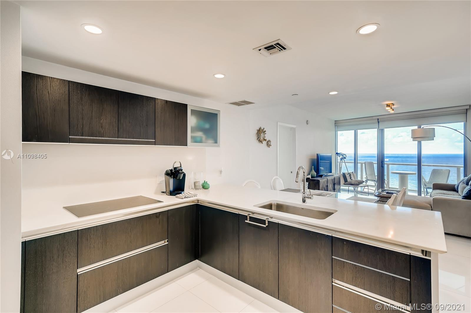 17001 Collins Ave #907 photo013