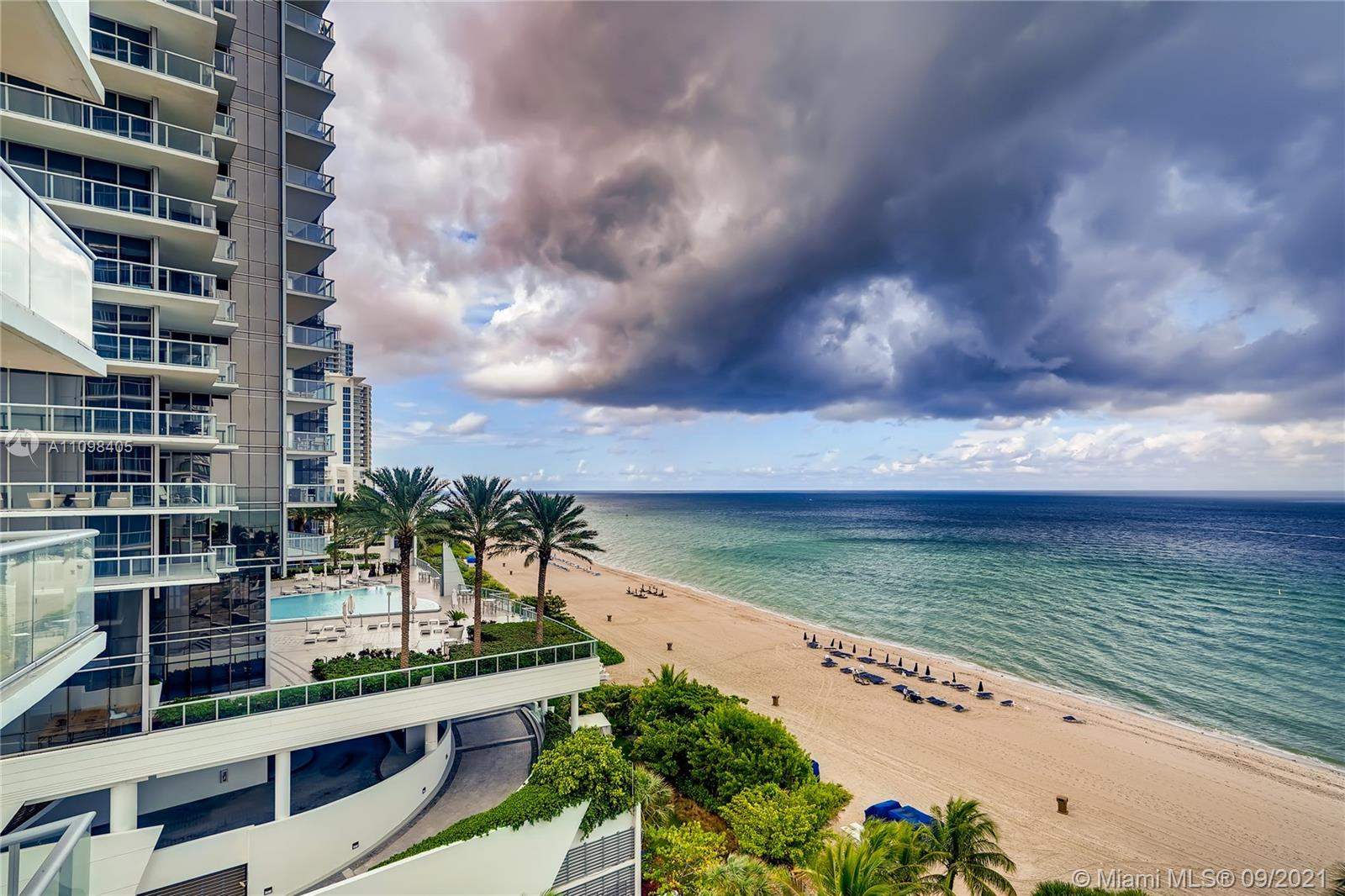 17001 Collins Ave #907 photo024