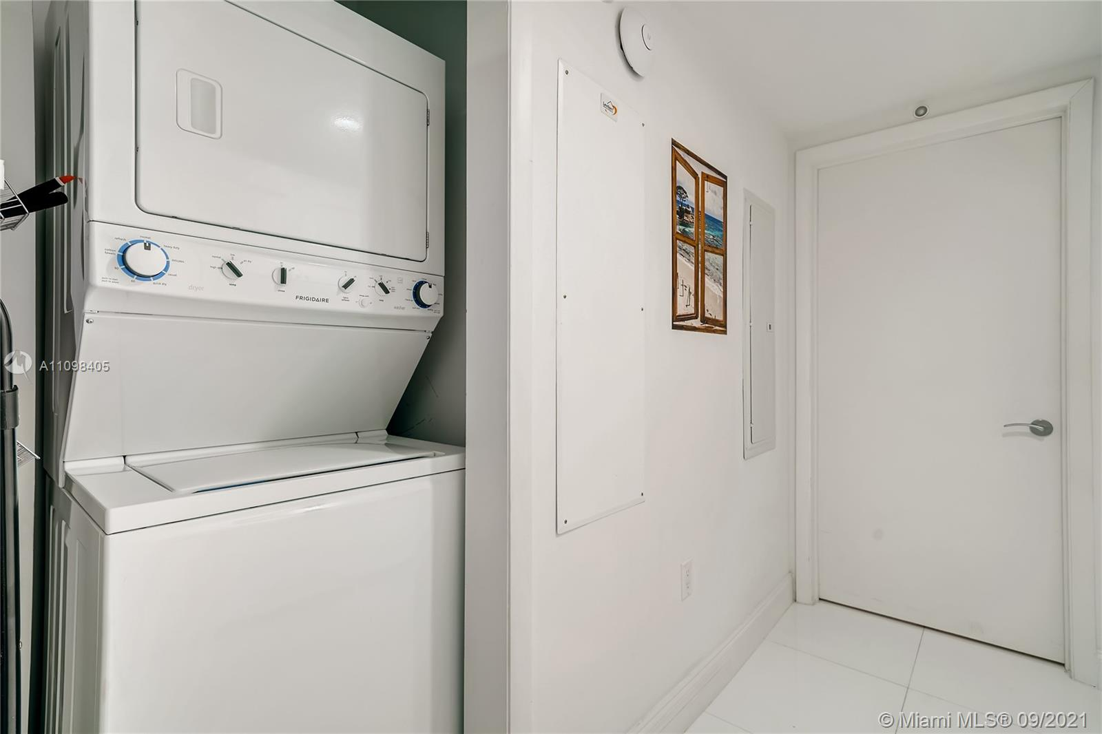 17001 Collins Ave #907 photo021