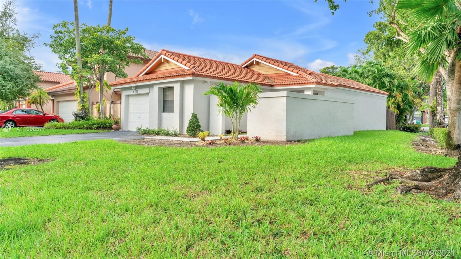 Single Family Home For Sale THE MOORS CLUSTER HOMES992 Sqft