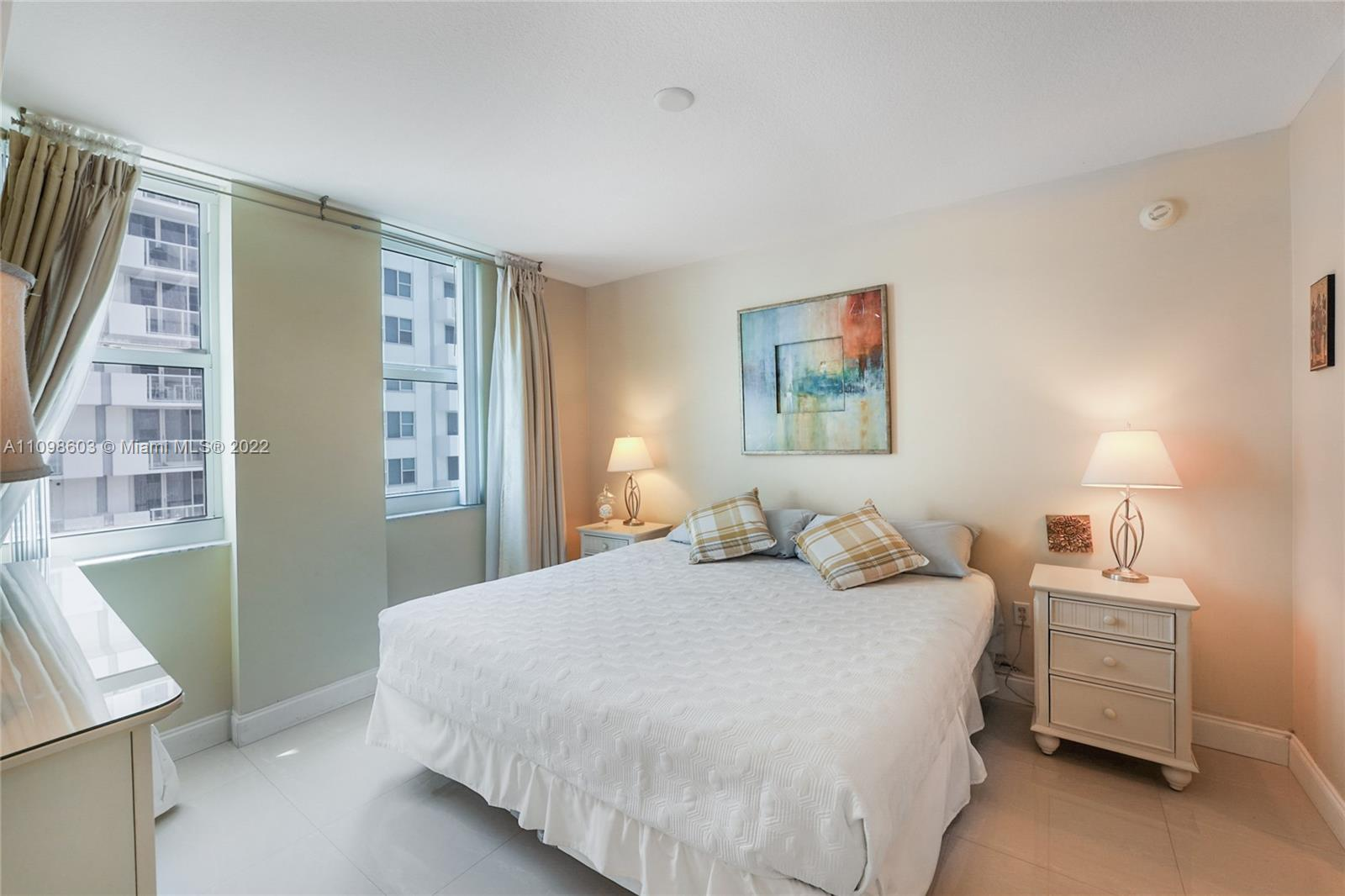 9201 Collins Ave #624 photo010