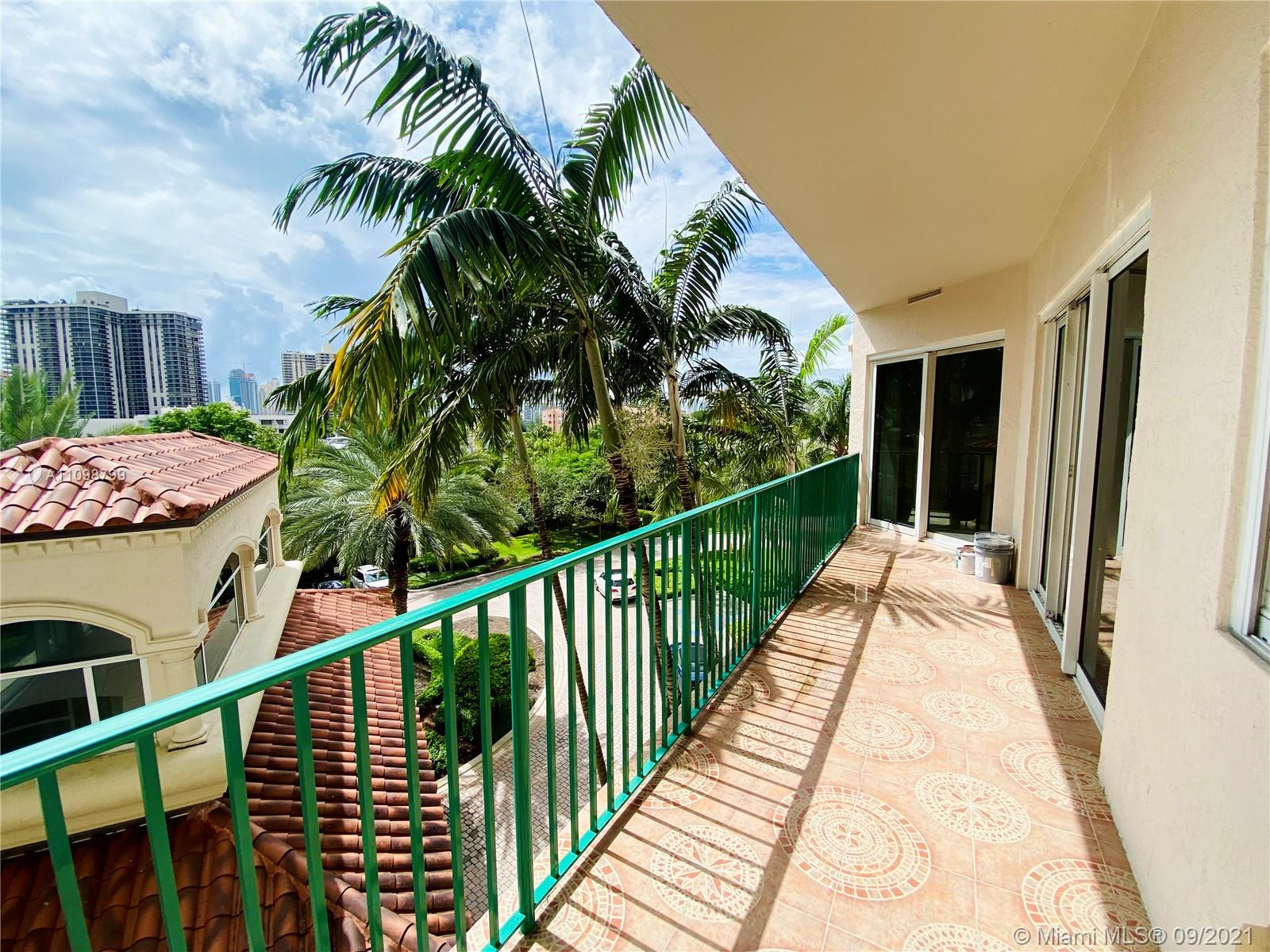 Turnberry Village South Tower #405 - 19900 E Country Club Dr #405, Aventura, FL 33180