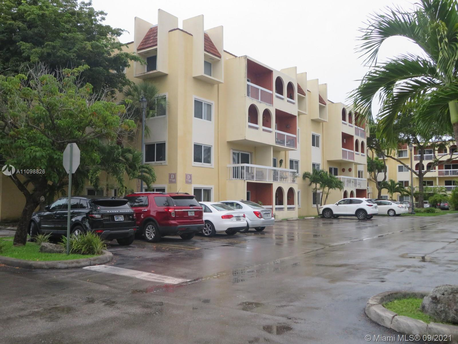 Condo For Sale at VILLAGE OF KINGS CREEK CO,Village of Kings