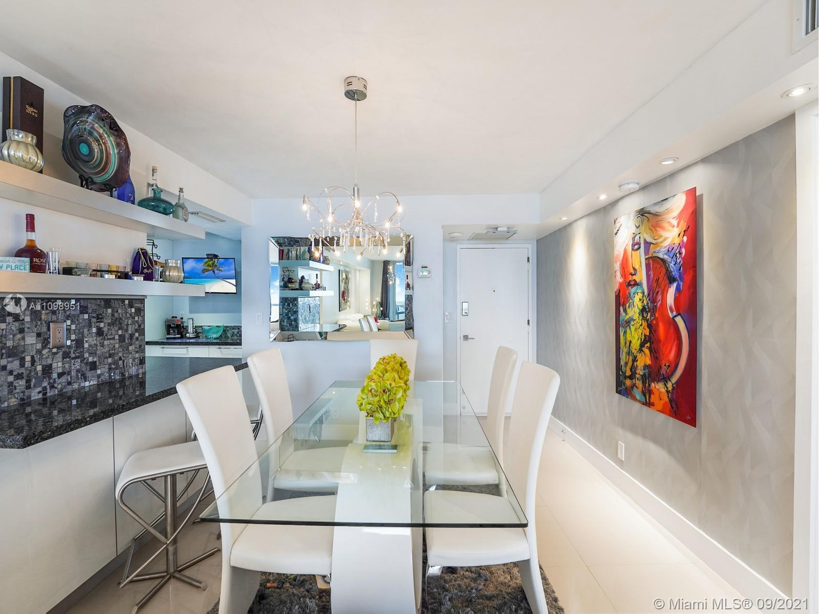 6039 Collins Ave #1611 photo06