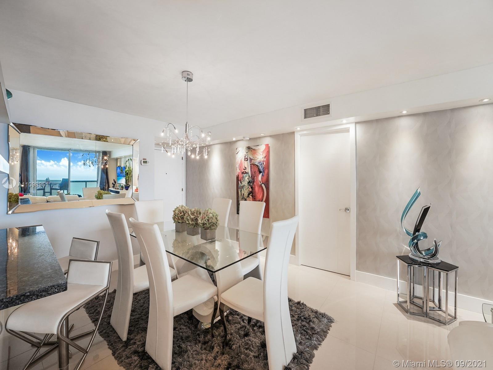 6039 Collins Ave #1611 photo05