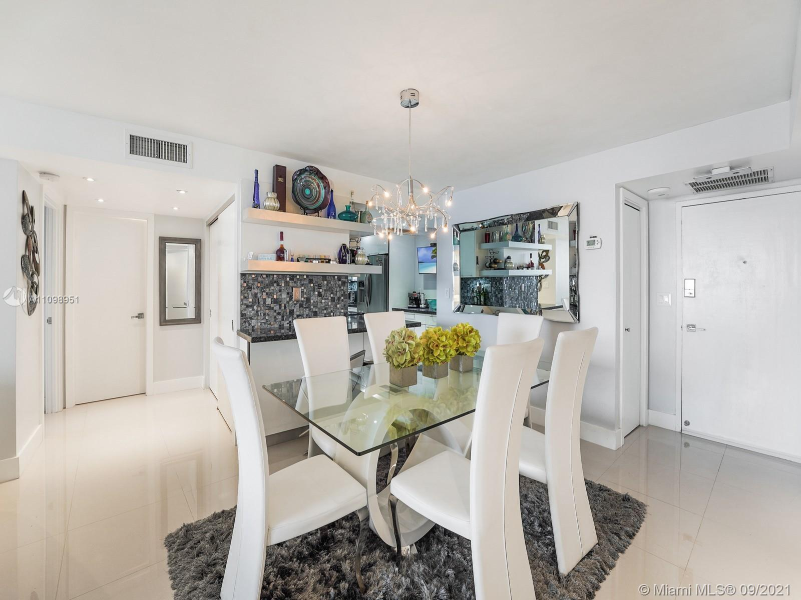 6039 Collins Ave #1611 photo09