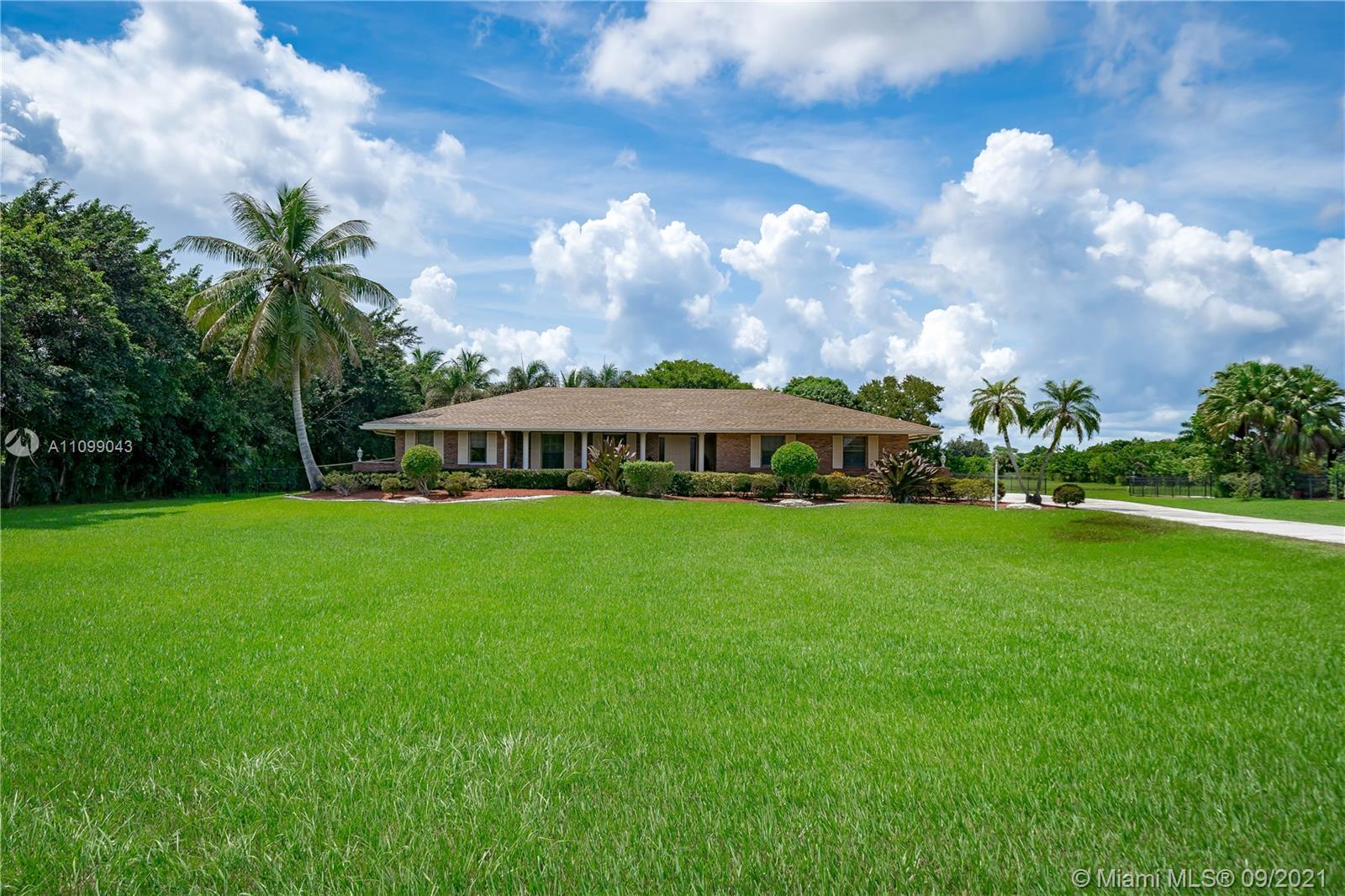 Majestic Groves - 3021 SW 117th Ave, Davie, FL 33330