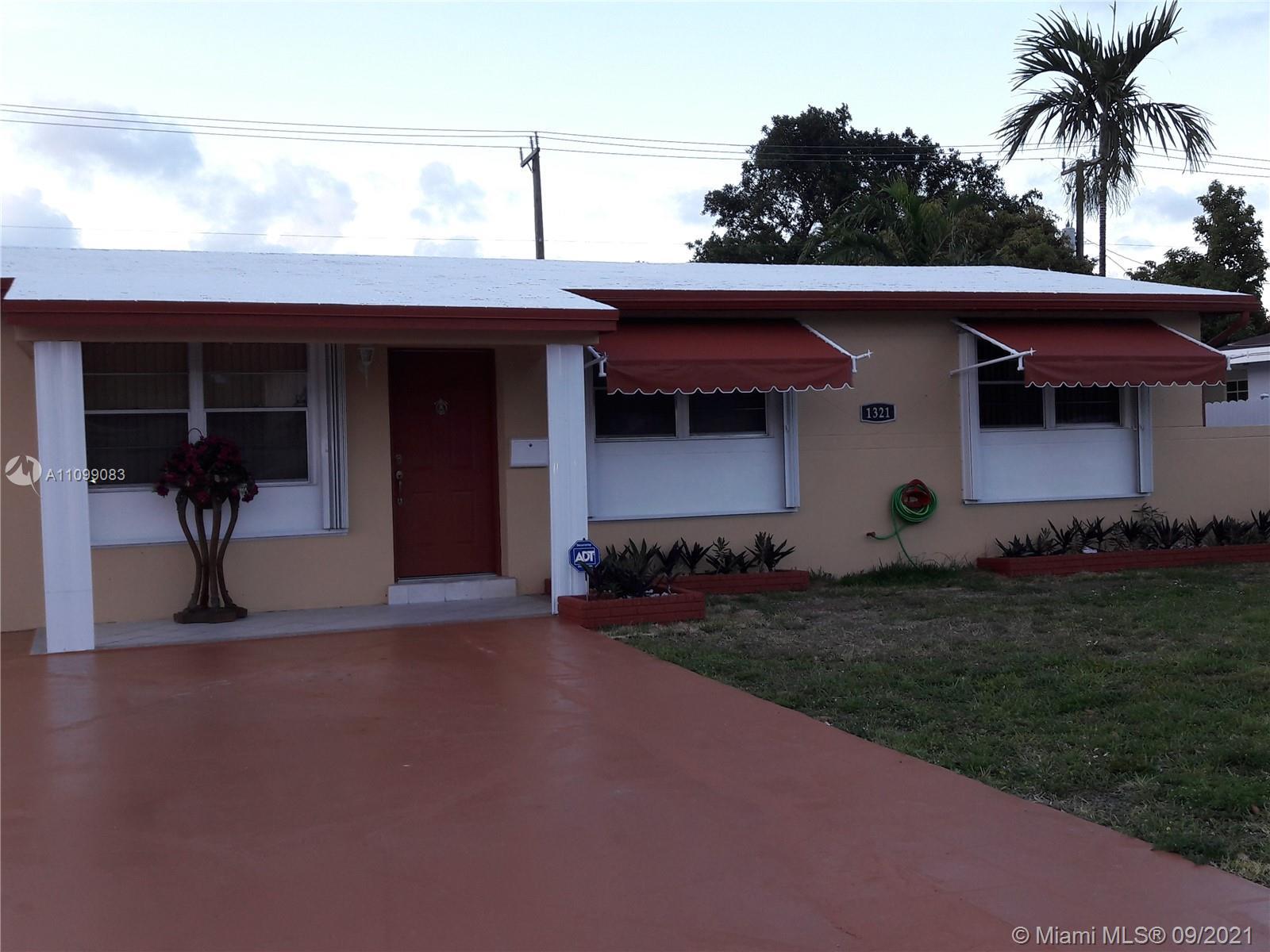 Single Family Home For Sale CASTLE ESTATES1,000 Sqft