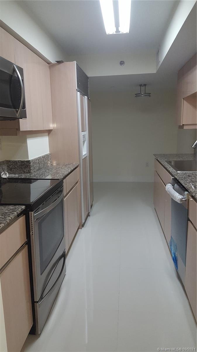 5757 Collins Ave #704 photo012