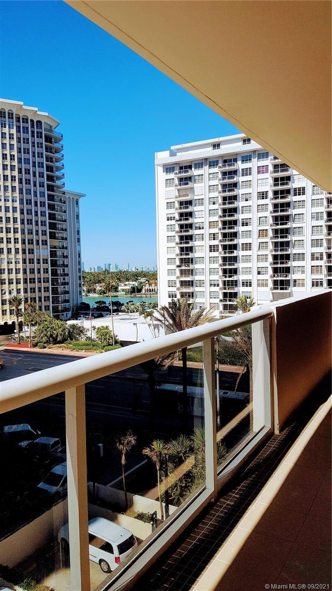 5757 Collins Ave #704 photo04