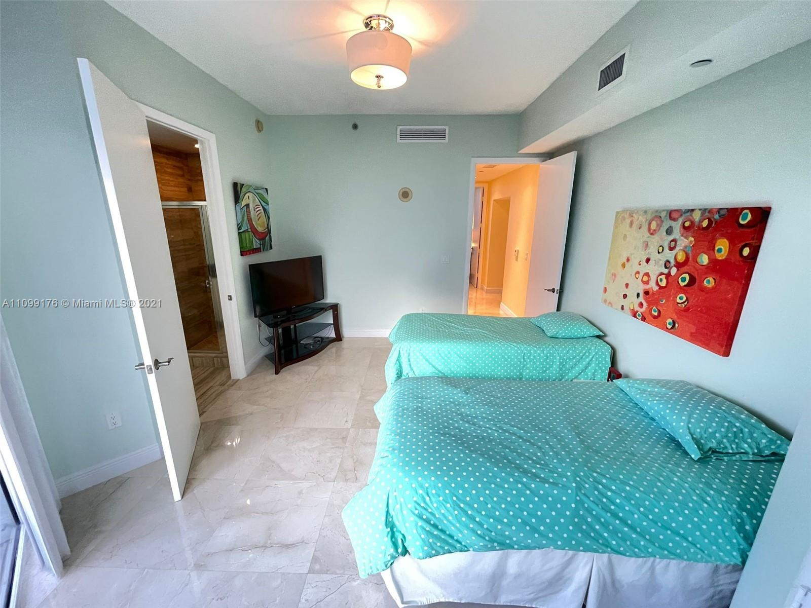 15811 Collins Ave #404 photo023