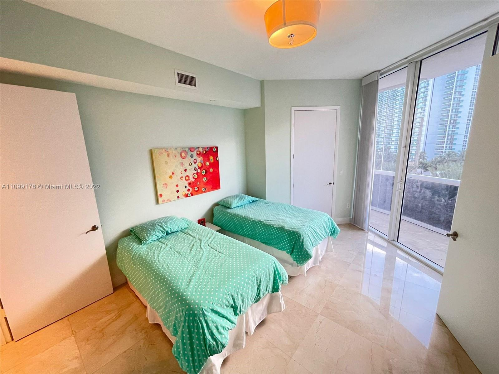 15811 Collins Ave #404 photo021