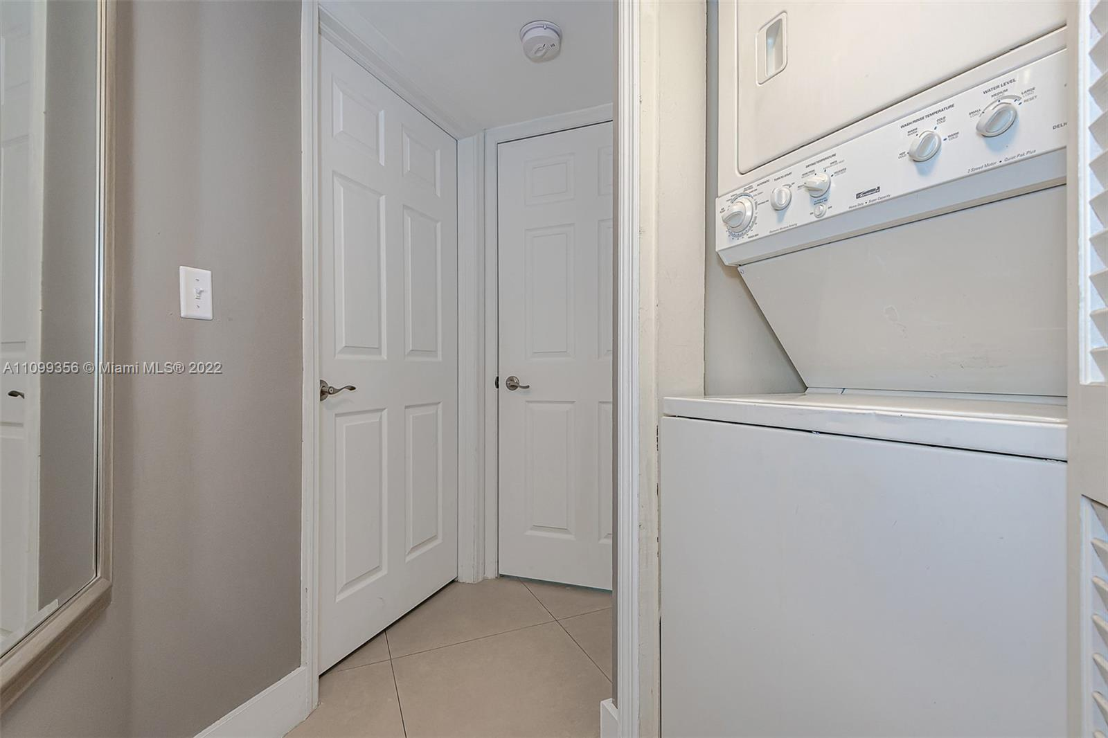 6301 Collins Ave #1608 photo023