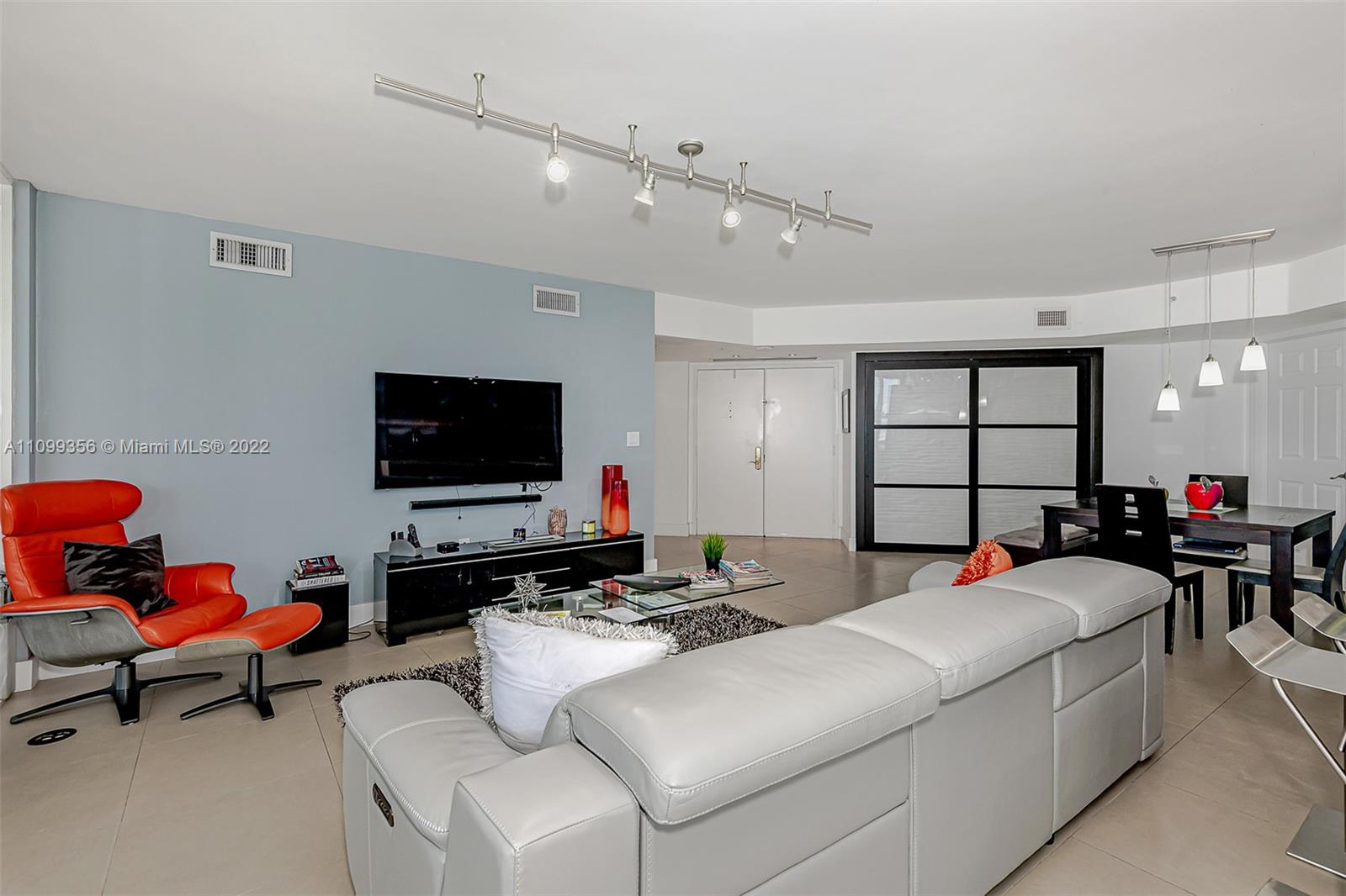 6301 Collins Ave #1608 photo06
