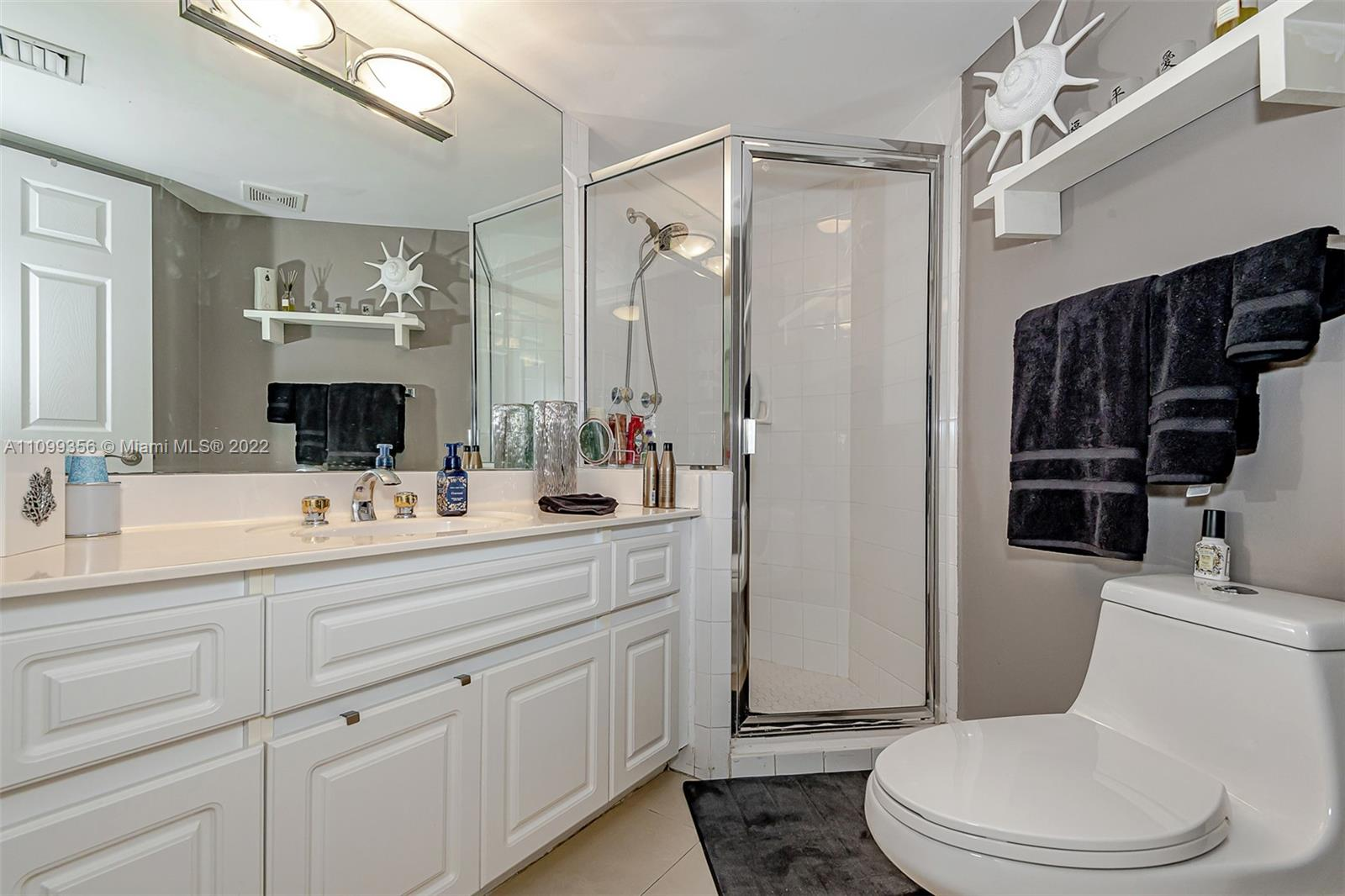 6301 Collins Ave #1608 photo022