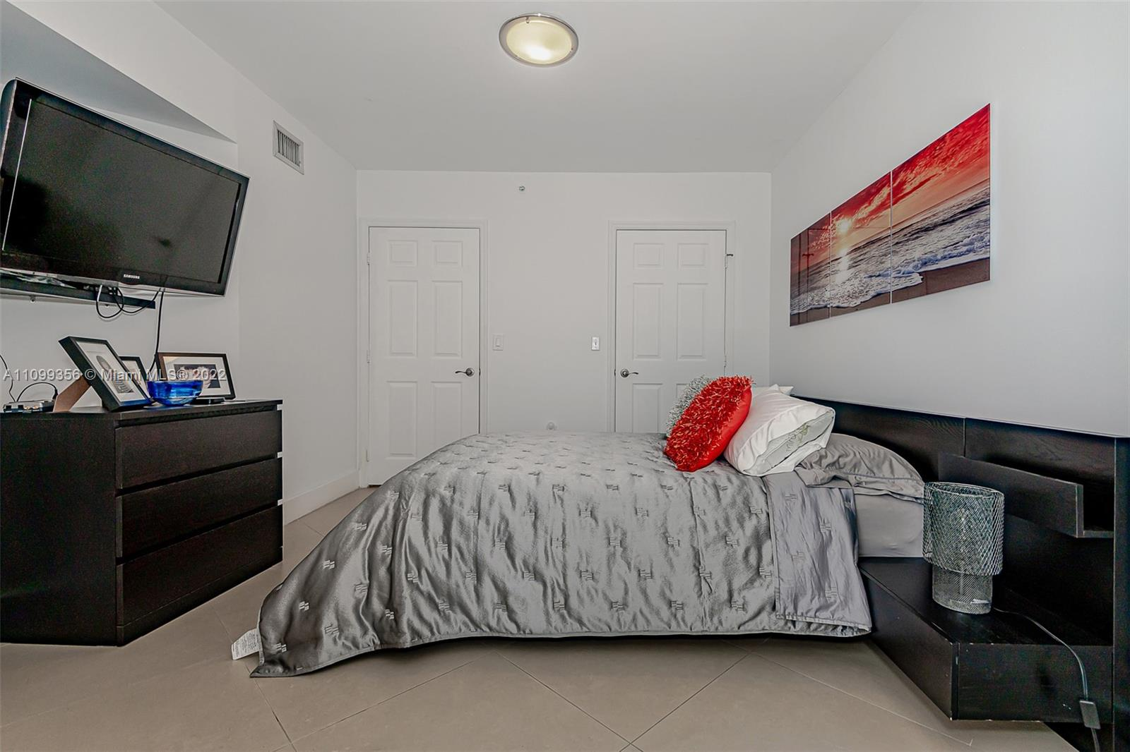 6301 Collins Ave #1608 photo020