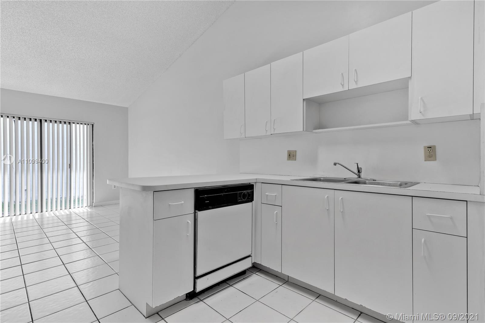 14876 SW 96th Ter photo021