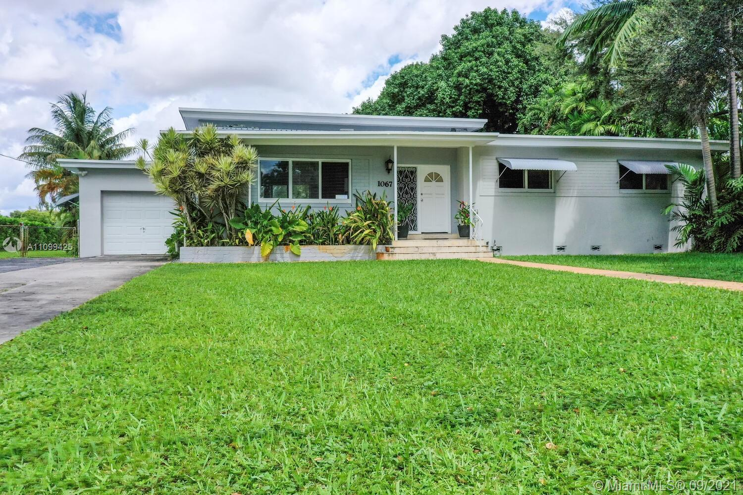 Single Family Home,For Sale,1067 Hunting Lodge Dr, Miami Springs, Florida 33166,Brickell,realty,broker,condos near me