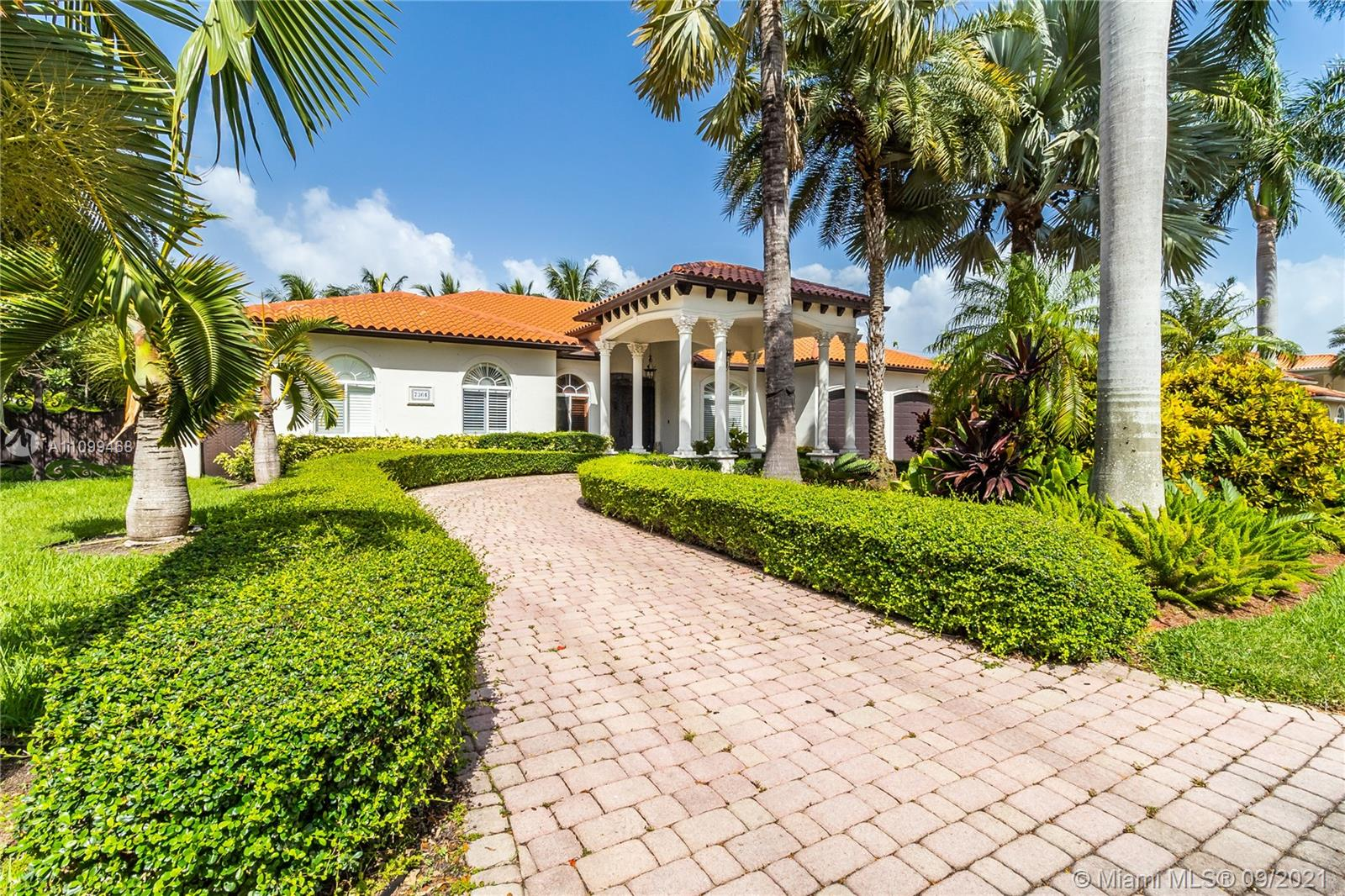 Single Family Home For Sale T & F SUB,Sunset Estates4,327 Sqft