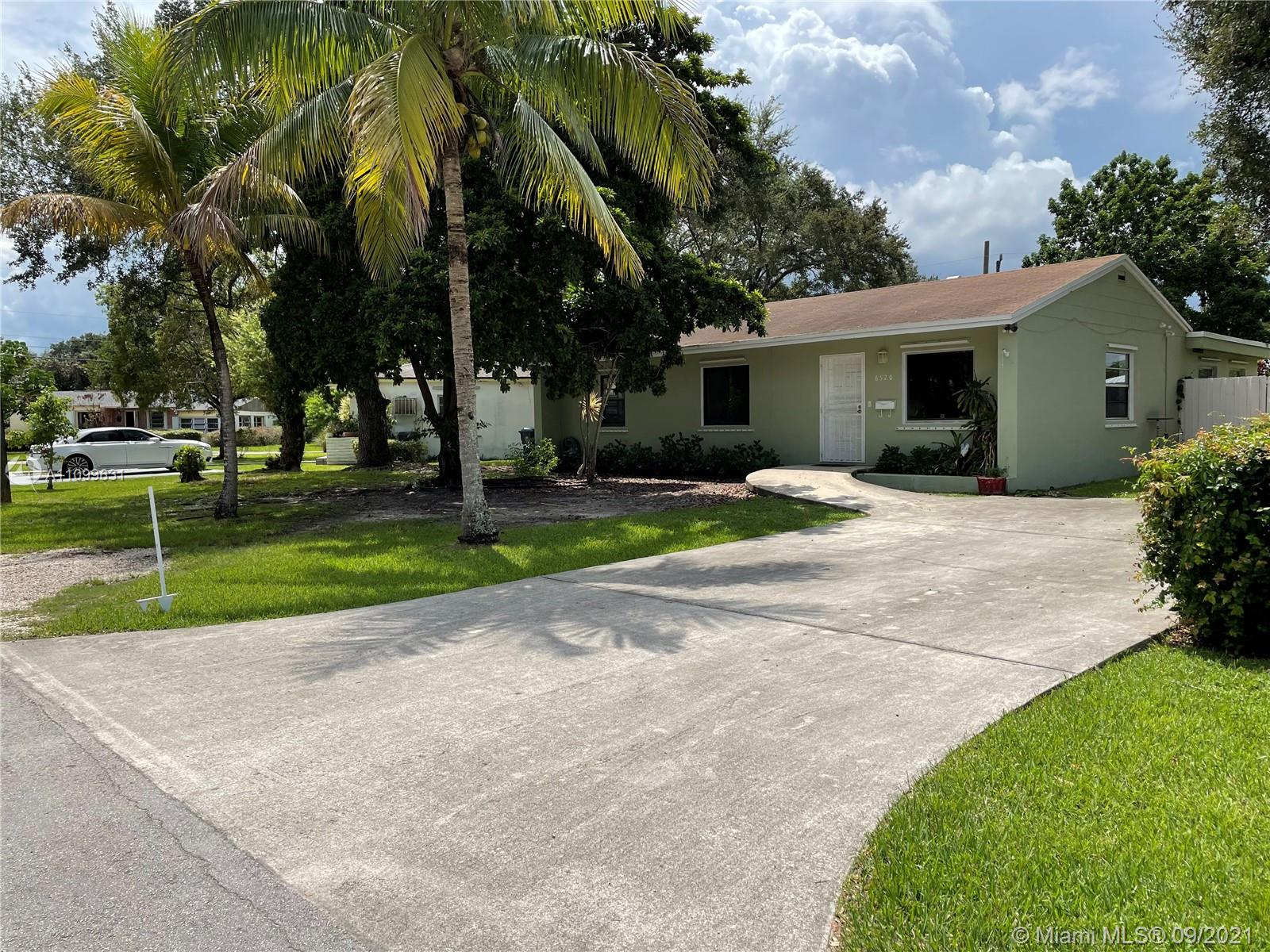 Single Family Home,For Sale,6520 SW 64th Ave, South Miami, Florida 33143,Brickell,realty,broker,condos near me