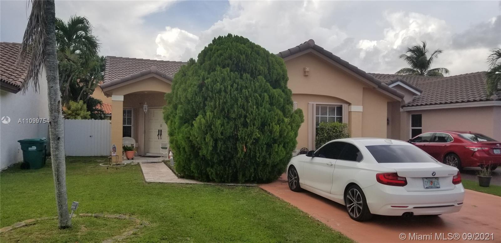 Single Family Home For Sale SUNSET HARBOUR SEC VI1,276 Sqft