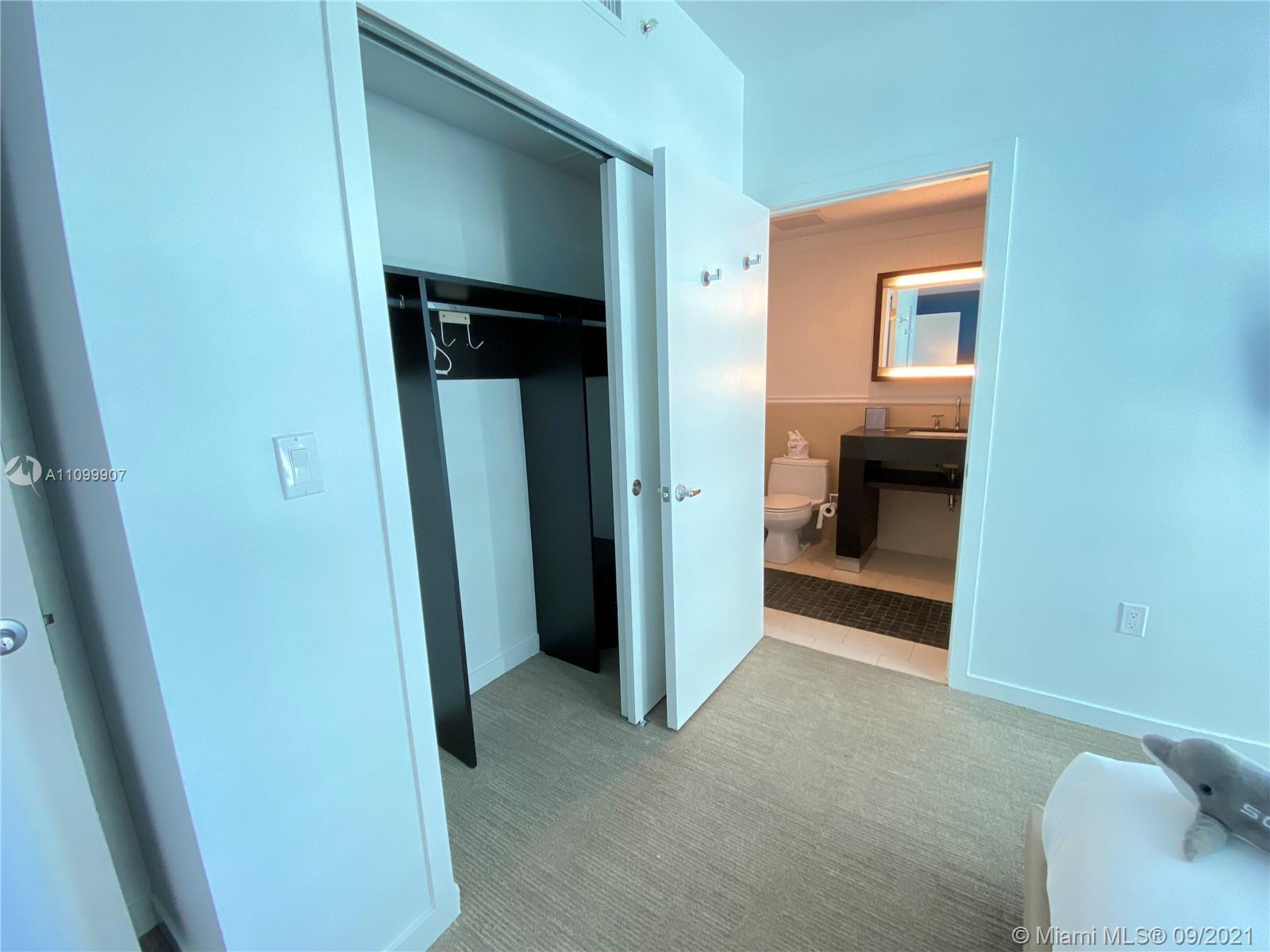 17315 Collins Ave #809 photo017