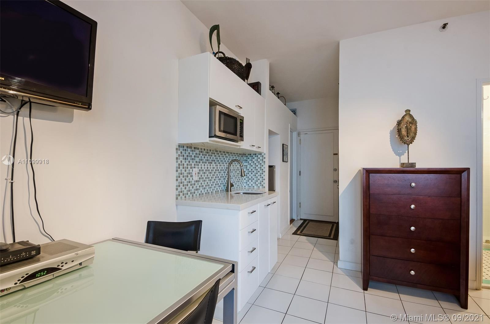 Condo For Sale at THE MANTELL PLAZA