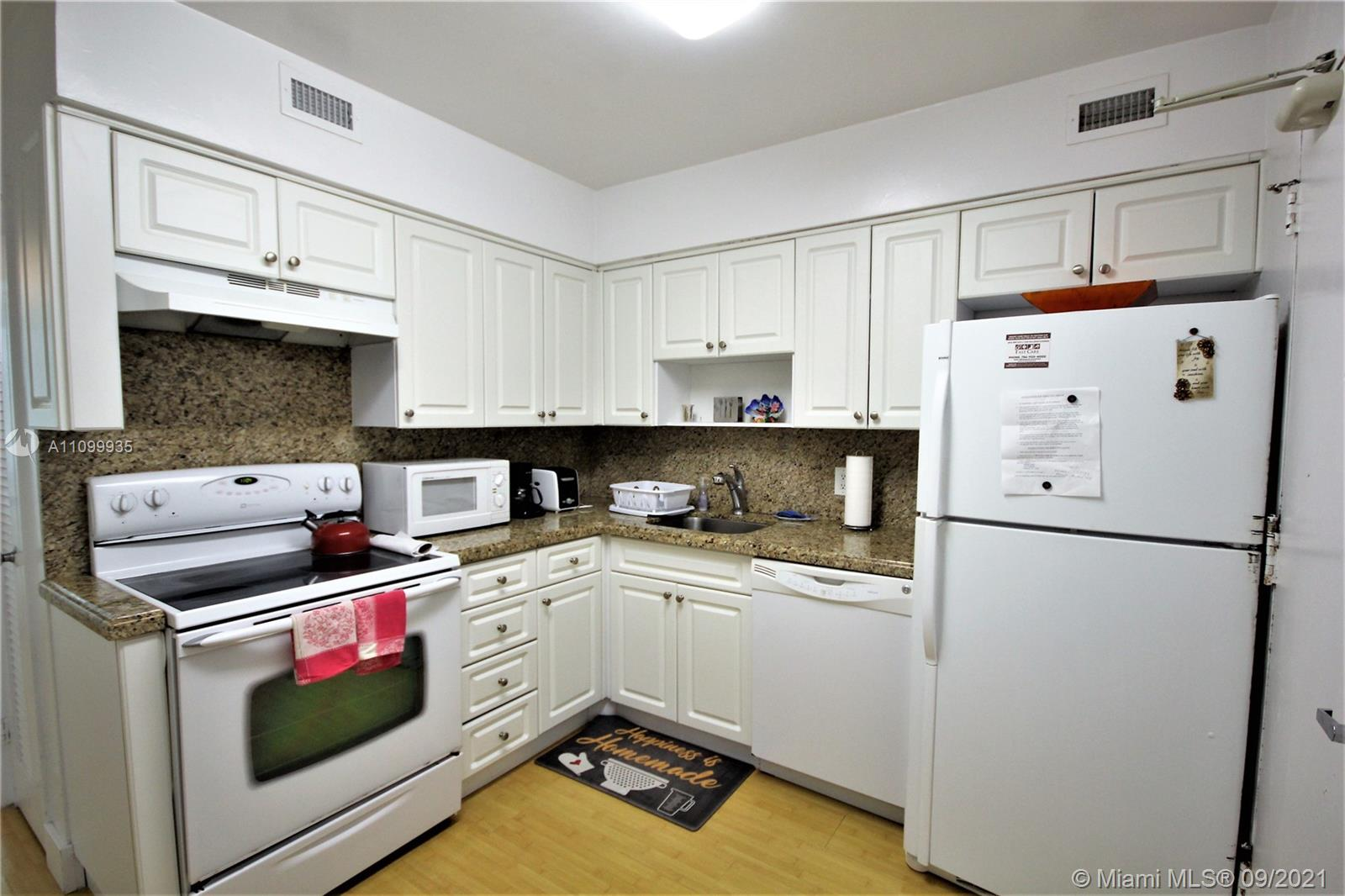 5151 Collins Ave #528 photo07
