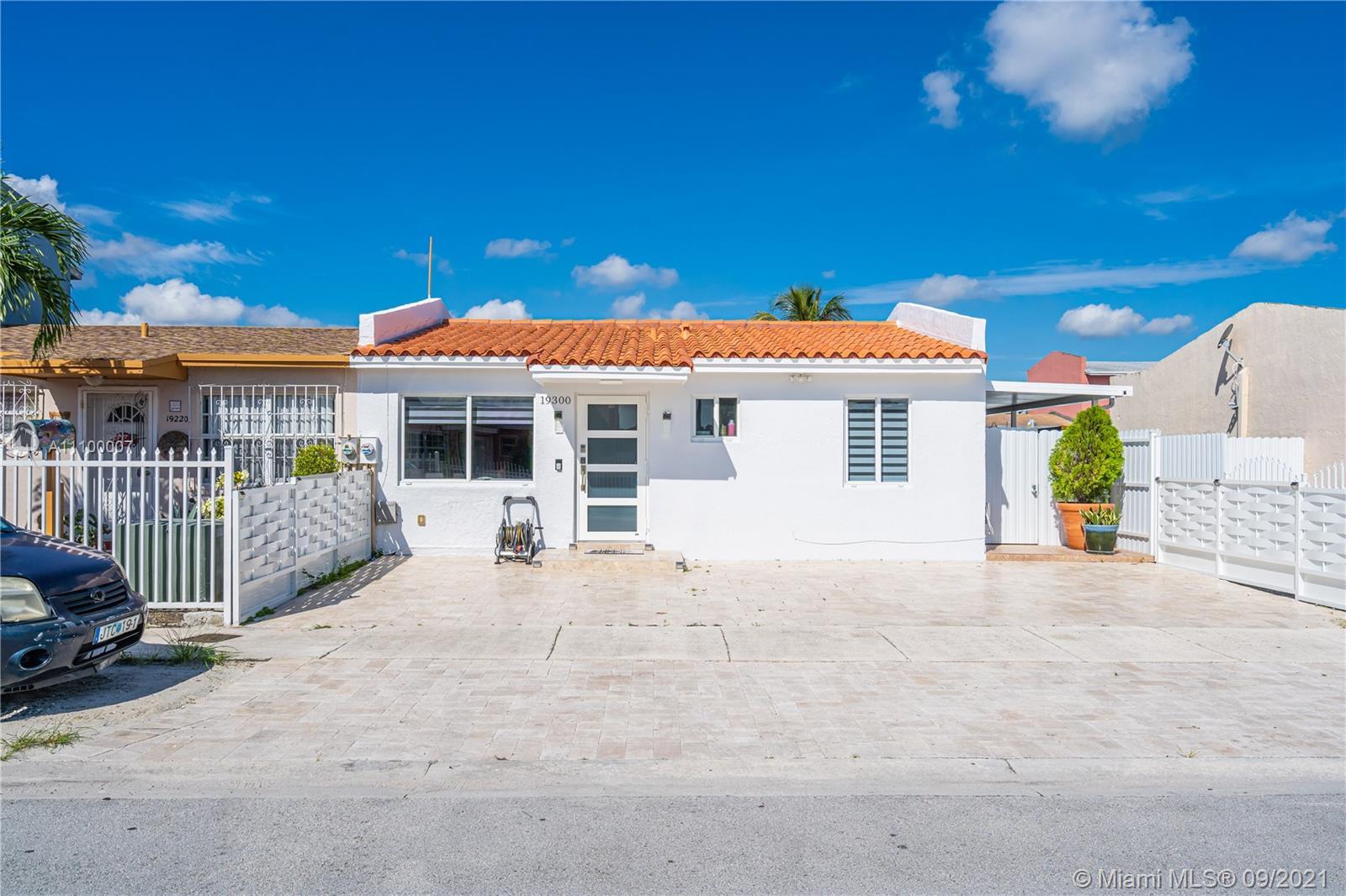 Single Family Home For Sale KINGS GARDENS SEC TWO854 Sqft