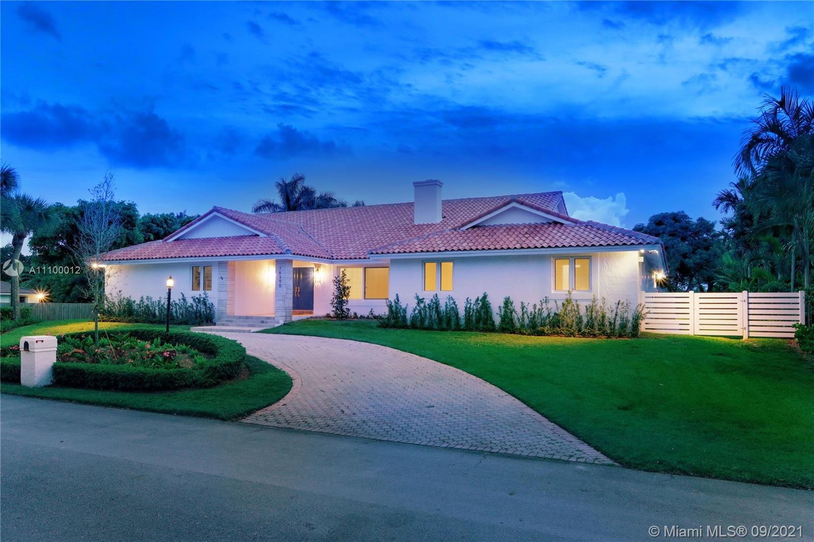 Single Family Home For Sale CUTLER DOWNS4,825 Sqft