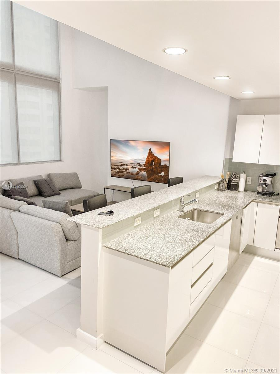 1060 Brickell West Tower #1005 - 1060 Brickell Ave #1005, Miami, FL 33131