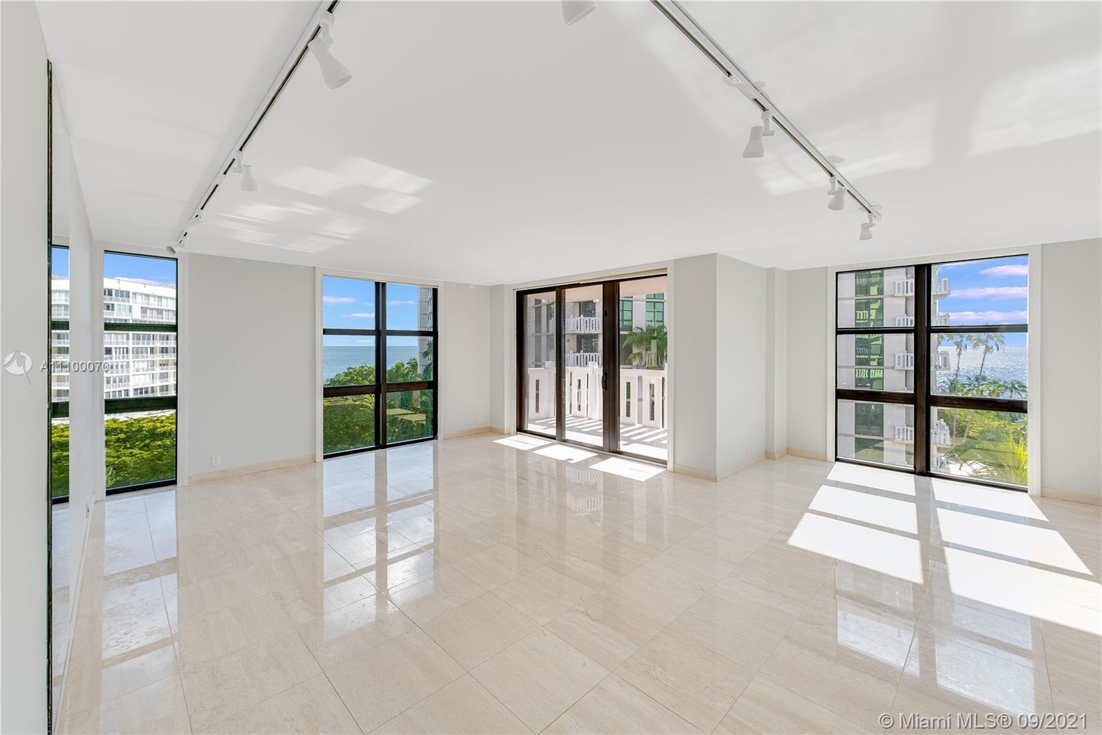Condo For Rent at TOWERS OF KEY BISCAYNE CO