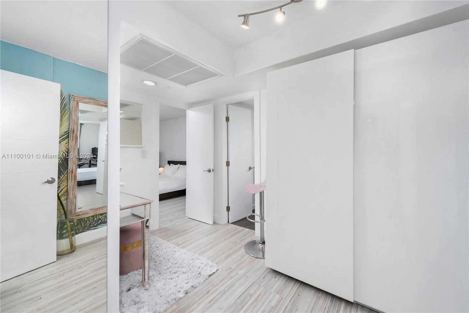 5555 Collins Ave #7F photo016