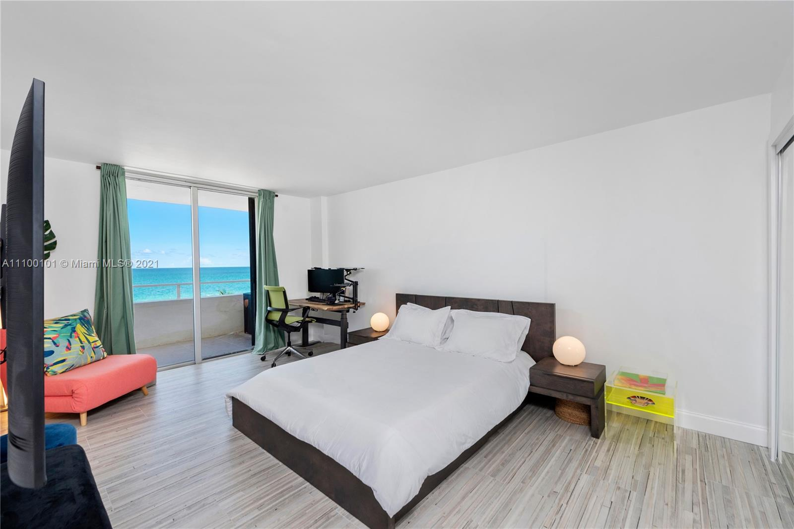 5555 Collins Ave #7F photo012